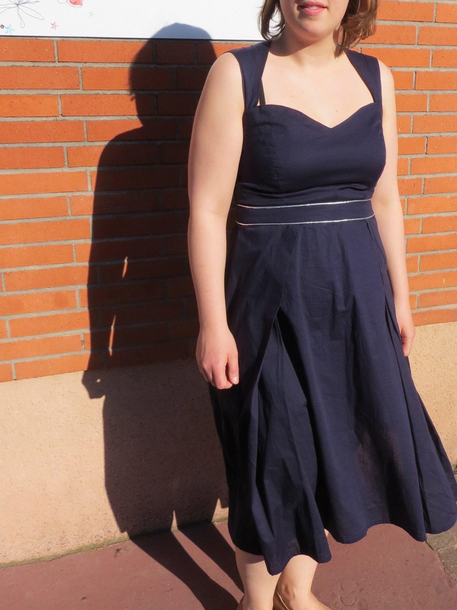 La robe avec enforme étoile au dos