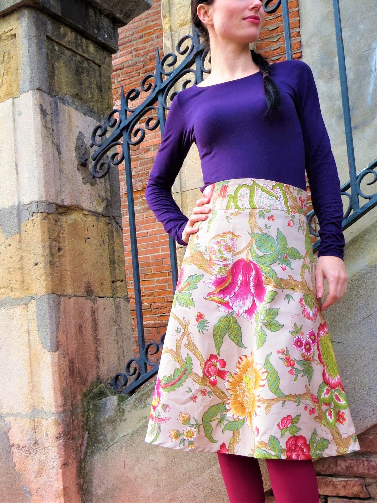 Une jupe fleurie en biais