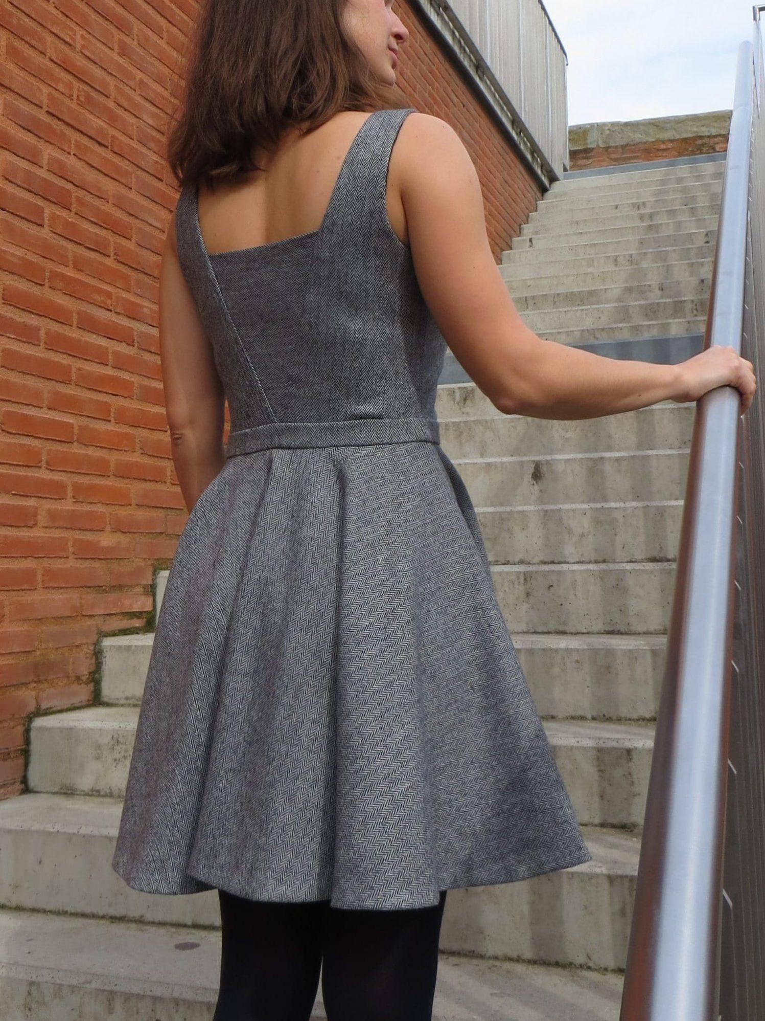 Le robe qui fait tourner la tête - vu de dos