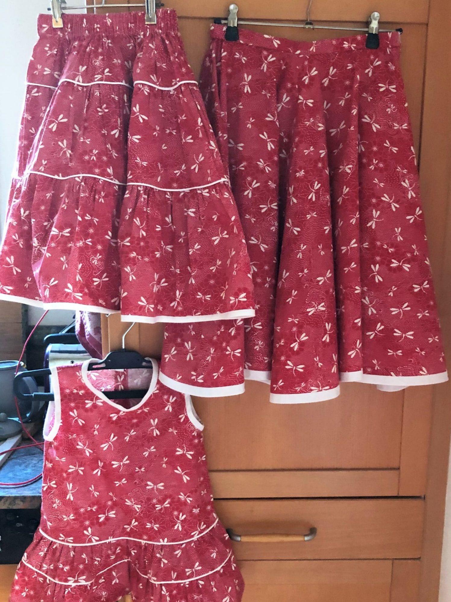 La série 2 jupes et une petite robe d'été